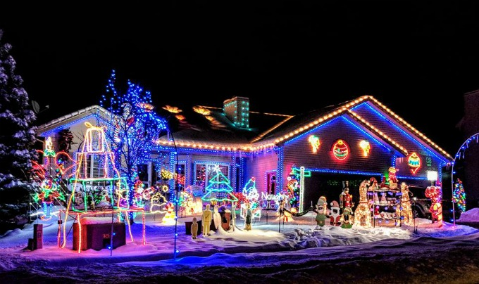 Christmas Decorations & Lights on a House